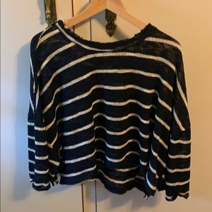 Wide sleeve navy and white striped cotton on top